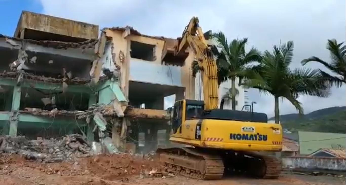 demolição alto risco