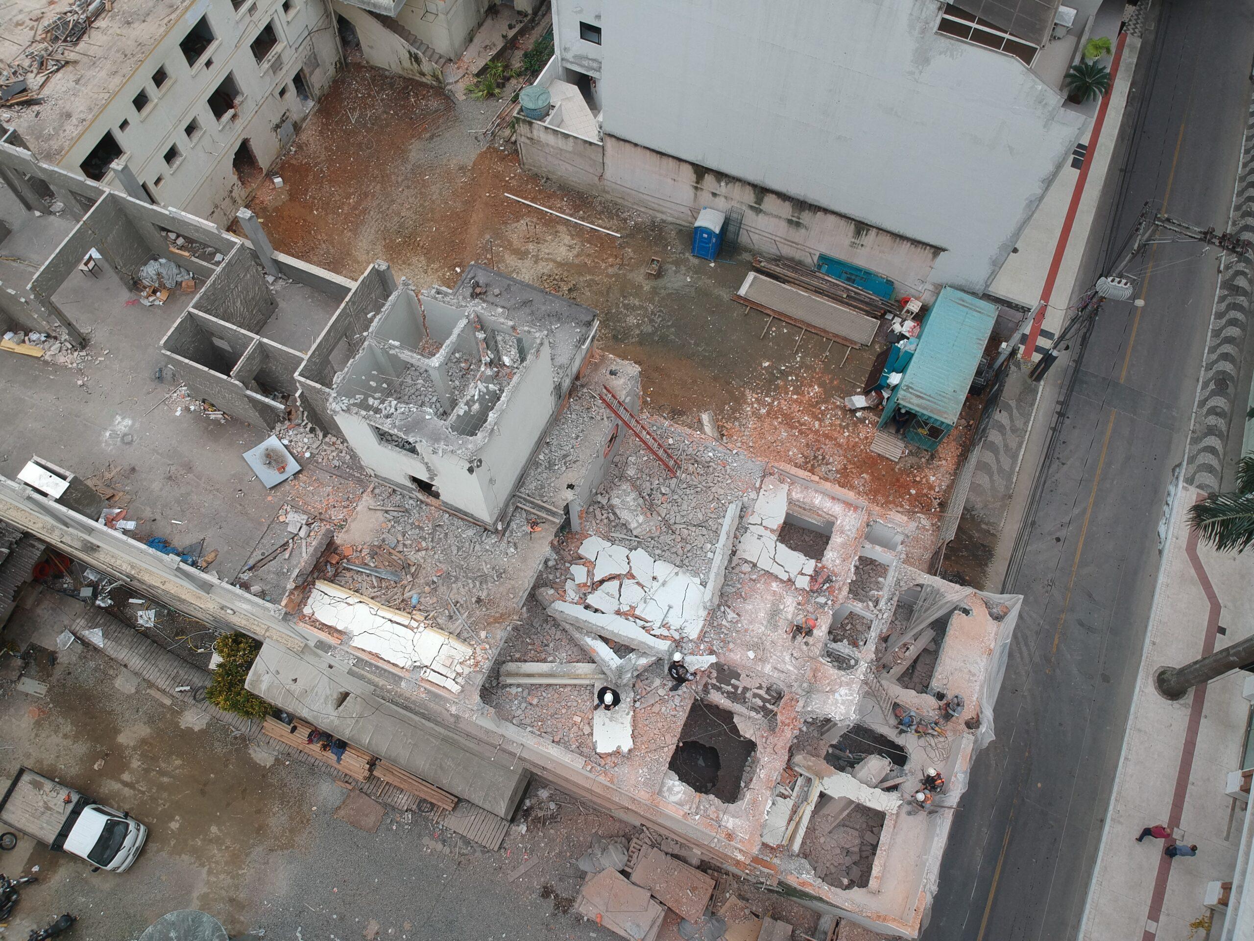 A importância da responsabilidade ambiental em serviços de demolição